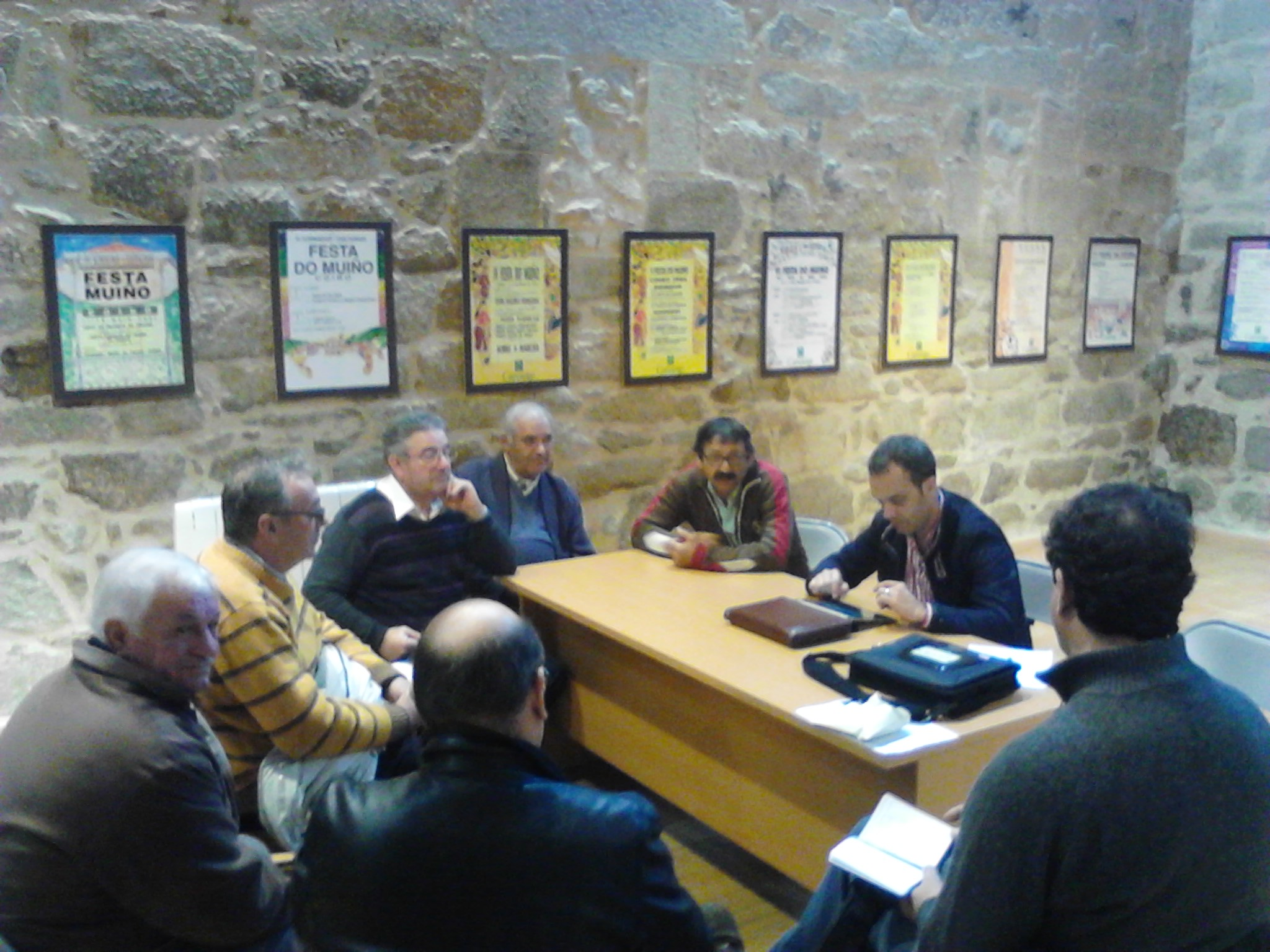 Reunión coas asociacións de Coiro