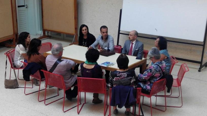 Cangas Decide reúnese coas asociación sociais.