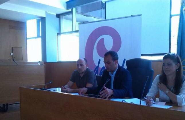 Cangas Decide propone acudir a un crédito para salvar la piscina municipal